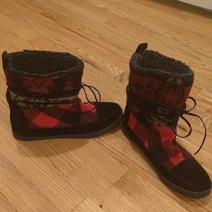 Madden girl plaid pattern boots